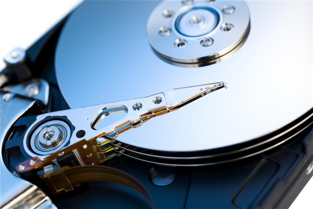 Odzyskiwanie danych z uszkodzonego dysku to możesz zrobić darmowym programem.